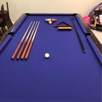 9' Medalist by Brunswick Pool Table with All Accessories For Sale
